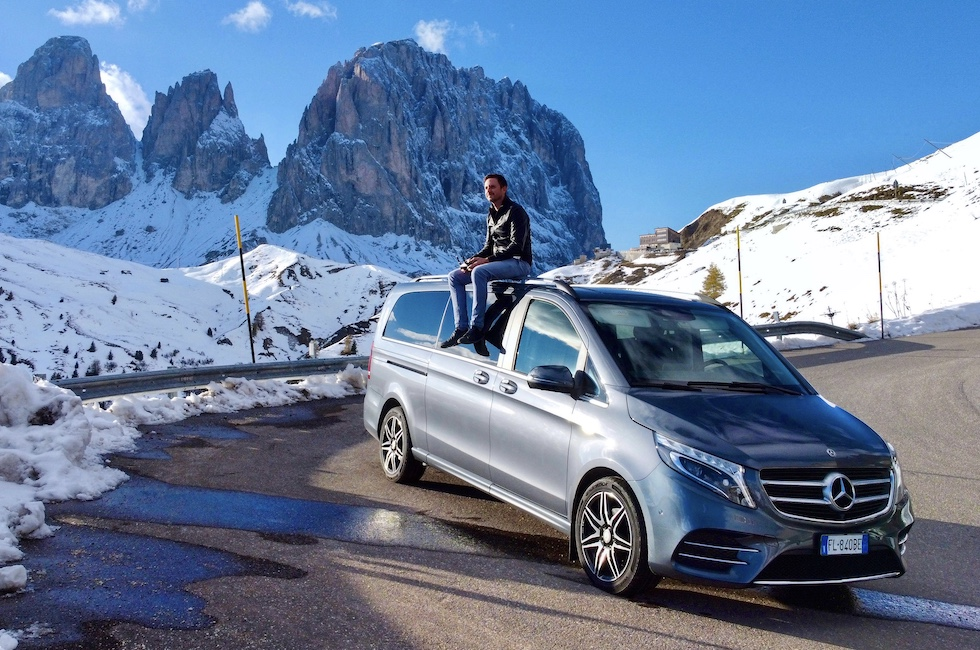 Transfer service from airports to Canazei and the Val di Fassa with a 7-seater Mercedes minivan